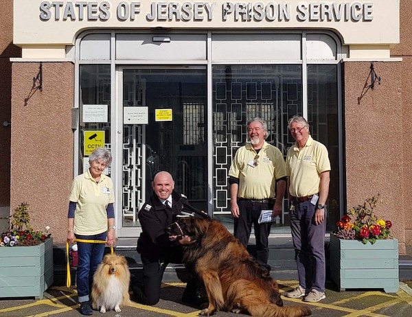 Owner_and_dogs_outside_prison_3.jpg