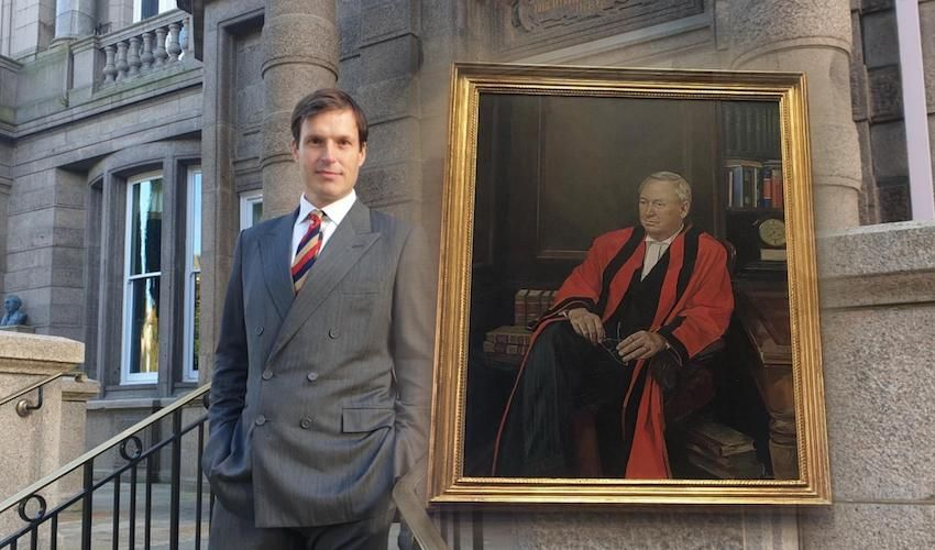 Artist's work 'accidentally' becomes Bailiff's official portrait