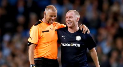 Paul Scholes wows fans with sliced through ball at Kompany testimonial