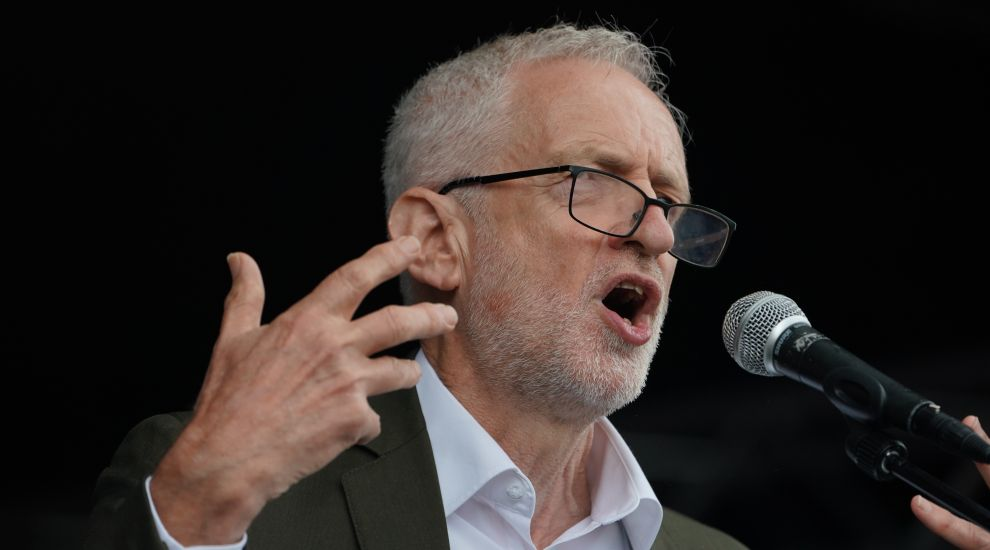 Corbyn criticises Hunt and Johnson for failing to call Trump's attacks 'racist'