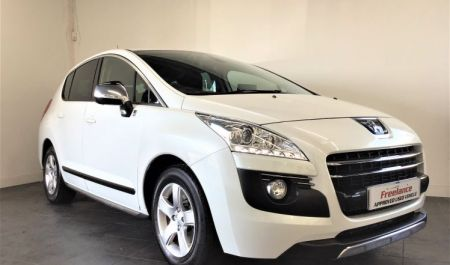 Peugeot 3008 Hybrid4 2.0 Auto crossover