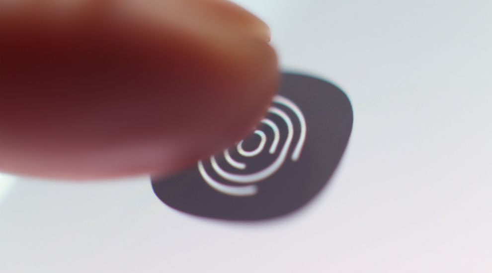 Fingerprint scanner flaw fix coming as soon as next week – Samsung