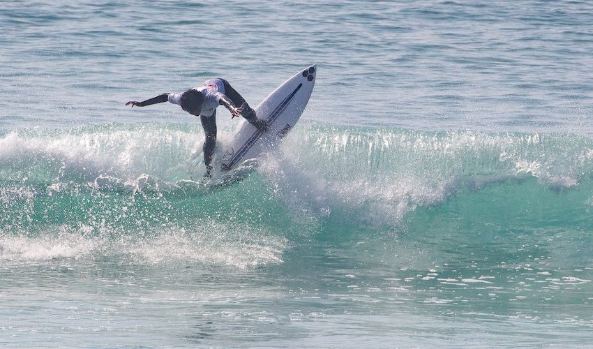 Youngsters stun at surfing championships