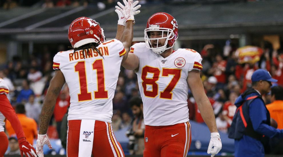 Chiefs hold off Chargers in Mexico City