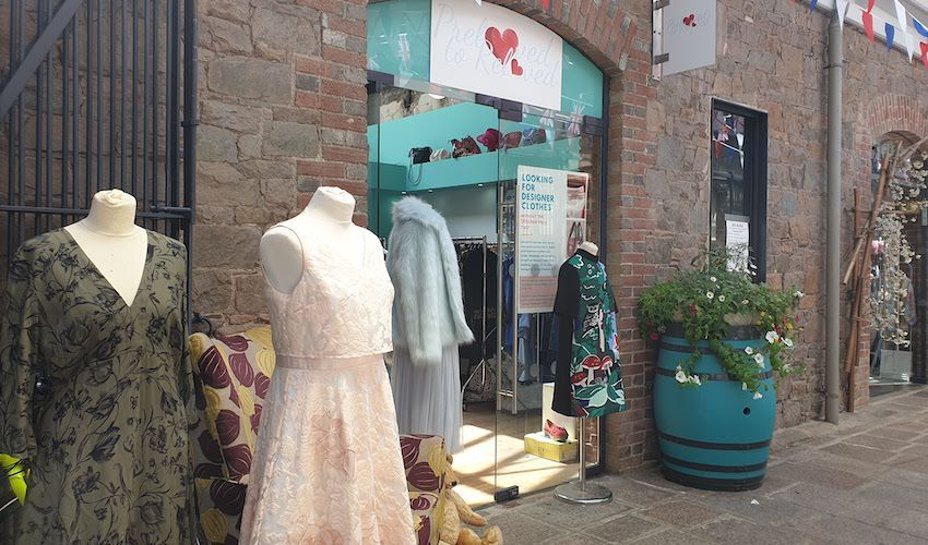 Designer fashion store 'pops up' for charity