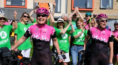 Women break record cycling the world on pink tandem called Alice