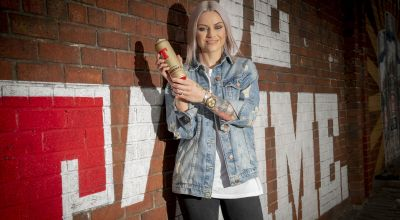 Singer Amy Macdonald celebrates birthday with Tennent's award