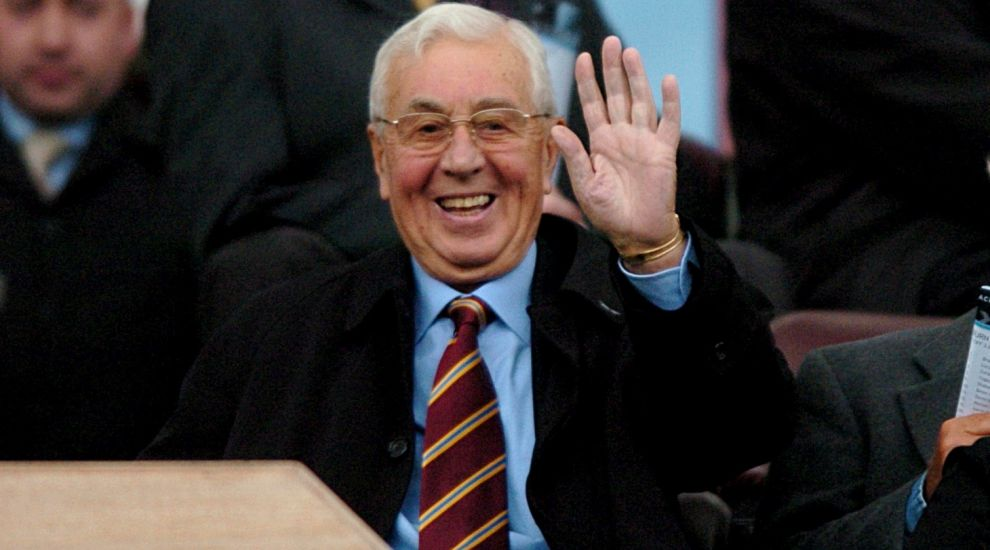 Tributes pour in following the death of Villa supremo Sir Doug Ellis
