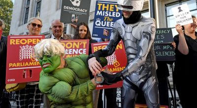 Hulk protester at Supreme Court ahead of Boris Johnson prorogation challenge