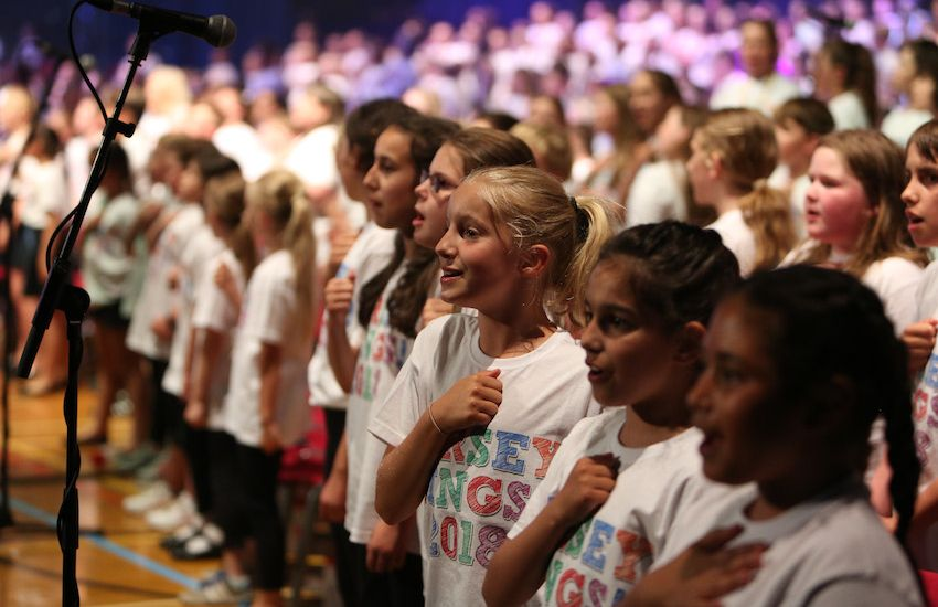 Government cuts funding to major singing programme